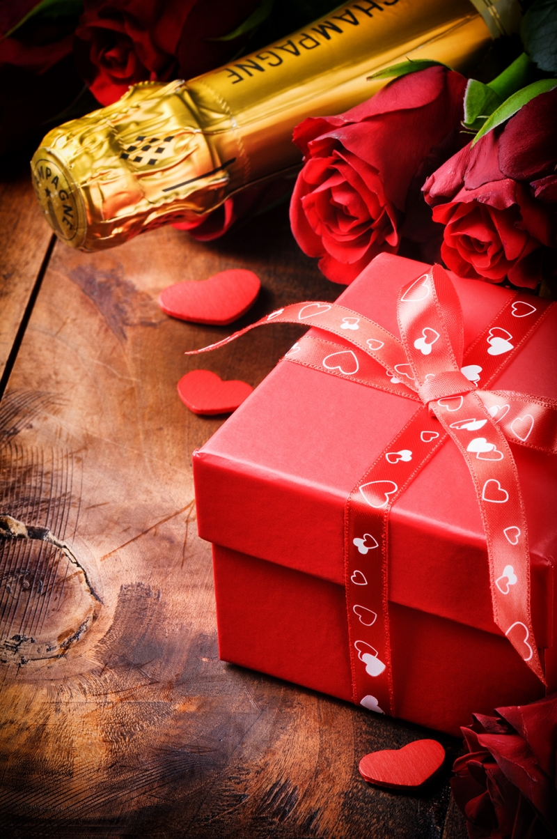 Şampanya ve Hediye Aşk & Sevgi Kanvas Tablo