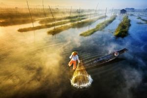 Sazlıkta Balıkçılar Doğa Manzaraları Kanvas Tablo