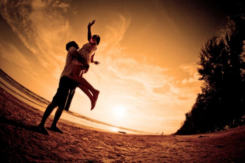 Sevgiye Uçmak Aşk & Sevgi Kanvas Tablo