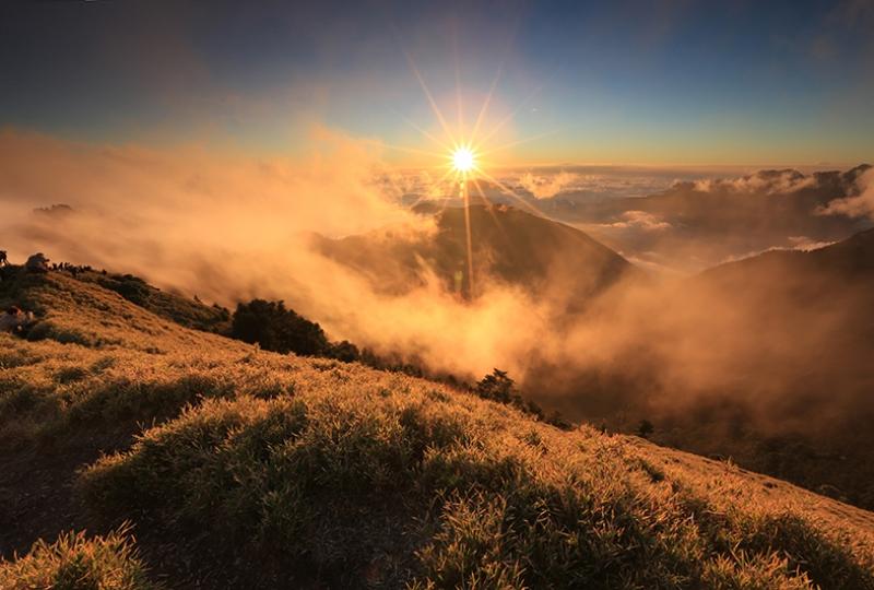 Sis, Güneş ve Doğa Manzarası Kanvas Tablo
