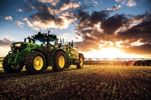 Tarlayı Süren Traktör Gün Batımı Doğa Manzaraları Kanvas Tablo