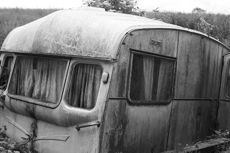 Terkedilmiş Karavan Fotoğraf Kanvas Tablo