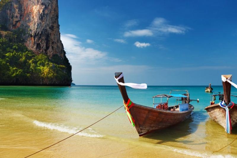 Tropik Ormanlar Ve Sahil Kayıklar Tayland Doğa Manzaraları Canvas Tablo