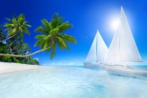 Tropikal Ada ve Yelkenli Araçlar Kanvas Tablo