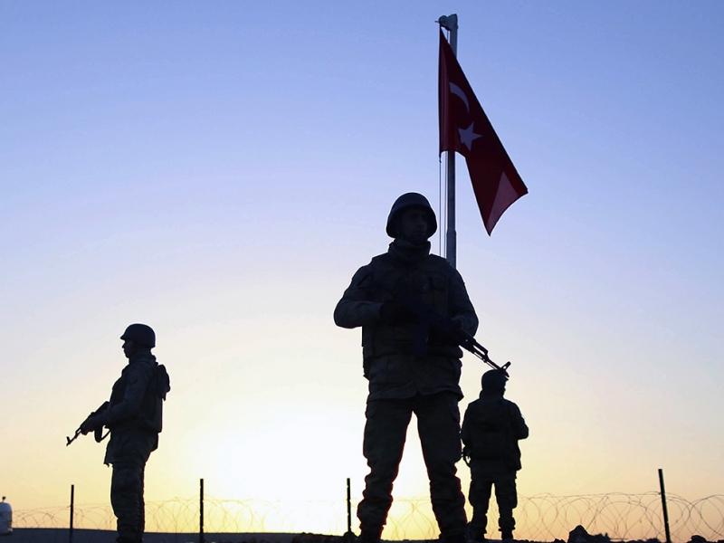 Türk Askeri ve Şanlı Bayrak Nöbet Askeri Kanvas Tablo