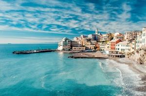 Tyrrhenian Sahili İtalya Renkli Evler HD Doğa Manzaraları Kanvas Tablo
