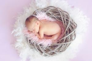 Uyuyan Bebek & Çocuk Dünyası Kanvas Tablo