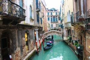 Venedik Dar Eski Sokaklar Renkli Evler Gondol İtalya Yaratıcı Müthiş Fotoğraflar-31 Dünyaca Ünlü Şehirler Kanvas Tablo