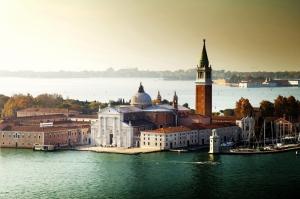 Venedik Dar Eski Sokaklar Renkli Evler Gondol İtalya Yaratıcı Müthiş Fotoğraflar-33 Dünyaca Ünlü Şehirler Kanvas Tablo - Kopya
