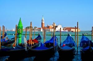 Venedik Dar Eski Sokaklar Renkli Evler Gondol İtalya Yaratıcı Müthiş Fotoğraflar-35 Dünyaca Ünlü Şehirler Kanvas Tablo
