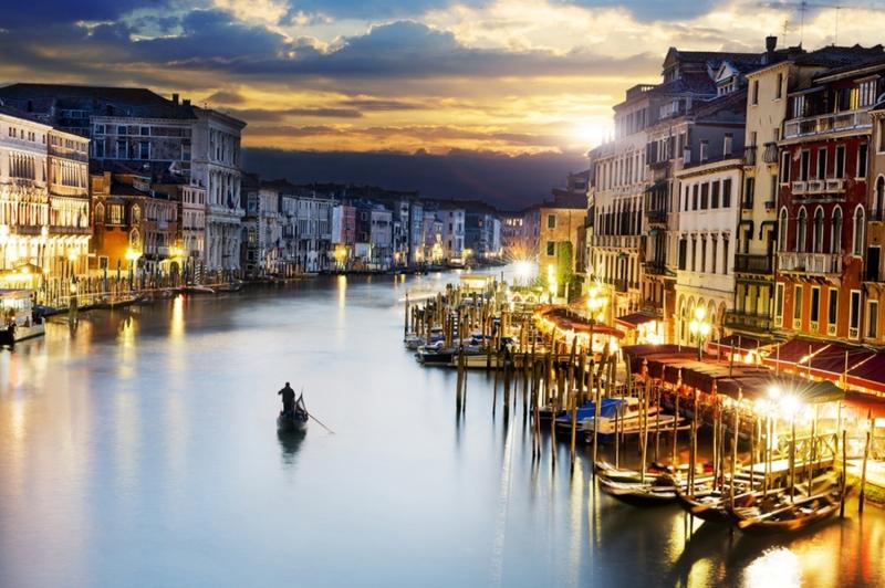Venedik Gondol Şehir Manzaraları İtalya Dünyaca Ünlü Şehirler Kanvas Tablo