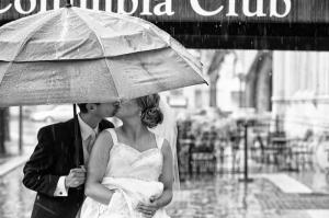 Yağmur Altında Aşk & Sevgi Kanvas Tablo