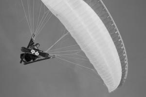 Yamaç Paraşütü Siyah Beyaz Fotoğraf Kanvas Tablo