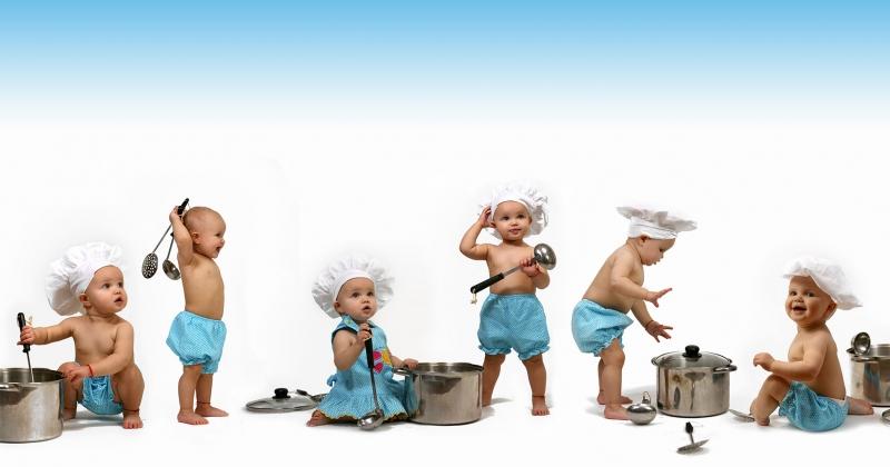 Yetenekli Müzip Bebekler 1 Fotoğraf Kanvas Tablo